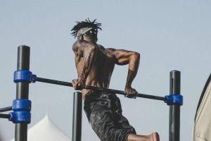 Тренировка при болях в плече